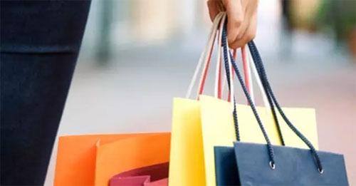 消费者更喜欢网购衣服还是实体店消费